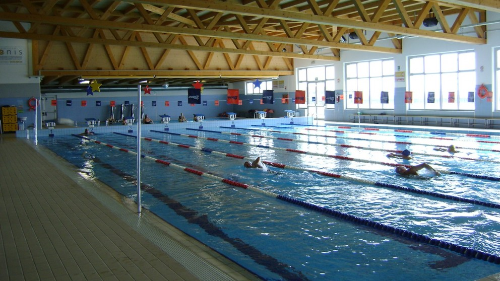 Foto gallerie fotografiche della piscina e delle attivit sportive svolte al suo interno - Piscina da interno ...